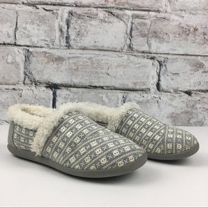 Toms Big Kids Skull and Cross Hard Sole Slippers